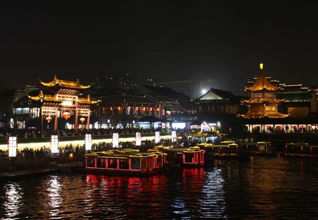 厳密には、孔子廟のことですが、その周辺の夜景が有名