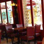 パリのカフェのような雰囲気
