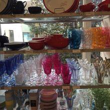 カラフルなガラス製品