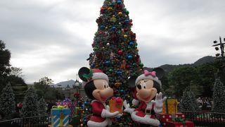 クリスマスシーズンの香港ディズニーランド