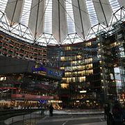 ヘルムート・ヤーンによる近代建築の傑作