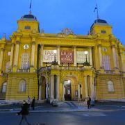 夜のクロアチア国立劇場は美しかった!!!