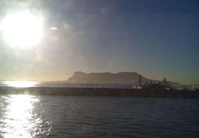 アルヘシラスからの1日ツアー (アルヘシラス~ジブラルタル~タンジェ~アルヘシラス)