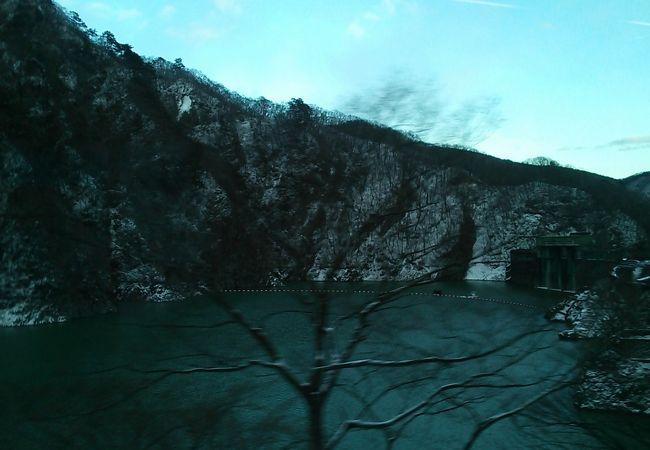 古いダムです