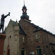 マルクト広場の教会