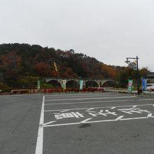 「道の駅・みやもり」の敷地の端の方にあります