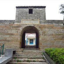 東涌炮台 (東涌古堡)
