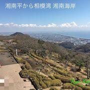 小高い場所から相模湾と富士山一望