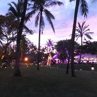 夕暮れ、ホテルの海岸沿いが素敵