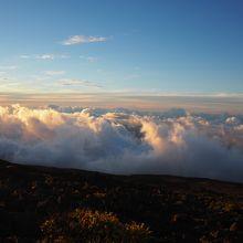 山頂の雲海