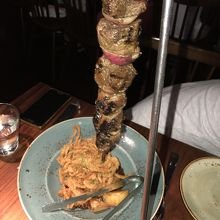 串焼きのカンガルー肉