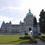 インナーハーバーの宮殿のような建物