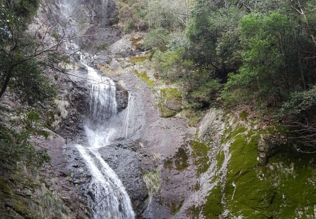 落差70mの高瀑「七種の滝」
