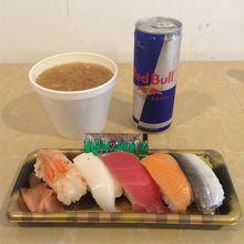 寿司と豚汁でランチ