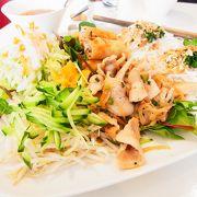 野菜をふんだんに使って、本場ベトナム料理