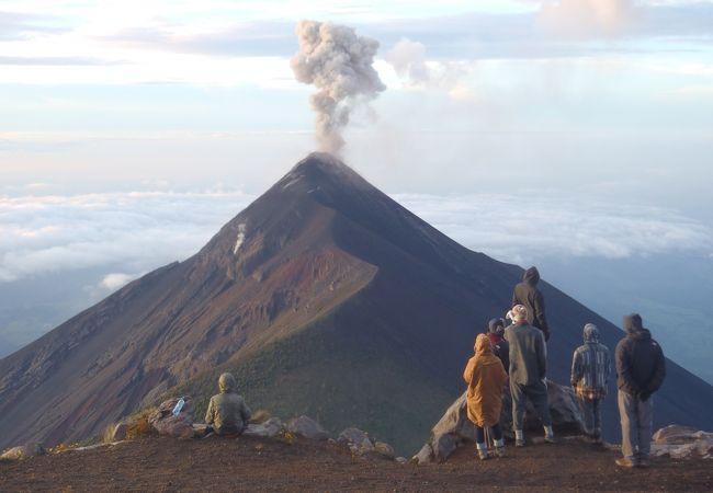 アカテナンゴ火山