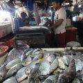 写真:ジンバラン市場