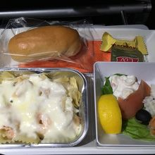 機内食2回目。