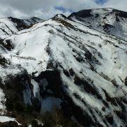 そびえたつ雪の壁