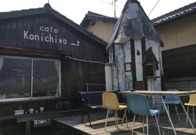 のんびりした民家カフェは、のんびりしたいんだが次の客が・・・