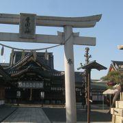豊臣秀吉をしのんで長浜の人々が作った神社です。