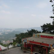 台北最大の道教寺院 眺望がすばらしい