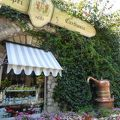 「Giardini d'Augusto」の近くにある本店は優雅な買い物ができます