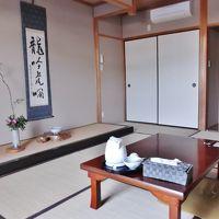 和室の客室(窓側より)