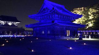 瑞龍寺 春のライトアップと門前市