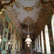 華やかな宮殿