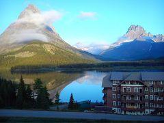 Many Glacier Hotel - Inside The Park 写真
