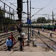ローカル色が強い大きな駅を見学、散策。