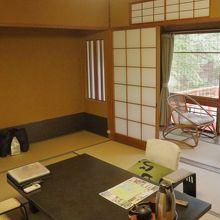花の棟2階、桂川と竹林が望める部屋