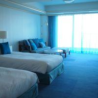 清潔感のあるブルーの客室