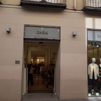 ZARA (グラン ビア店)