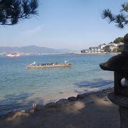 宮島のろかい舟 海から参拝、鳥居をくぐる