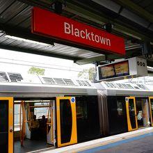 ブラックタウン駅まではSidneyトレインで向かいます。