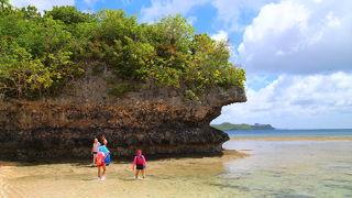 nikko guam のプールエリアをぬけたところがガンビーチ
