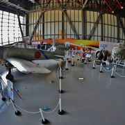 航空自衛隊と米空軍の軍用機多数展示 P-3他操縦席に着席可能