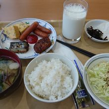 お米と味噌汁が旨い