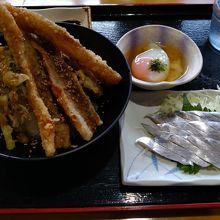 太刀魚丼と温泉卵、そして太刀魚のお刺身。