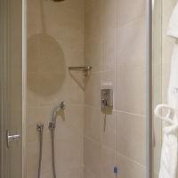 ハンドシャワーもついているシャワーブーズ