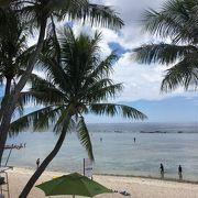 遠浅の海でのんびりシュノーケリングできるビーチです。