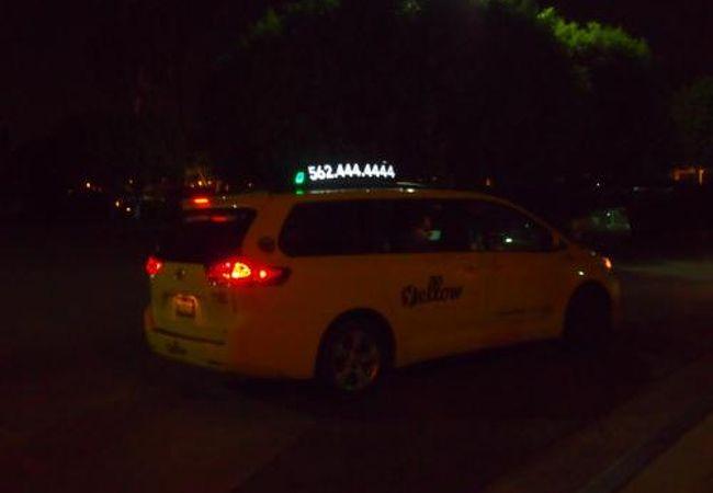 ロングビーチ空港から、アナハイムのホテルまで利用しました