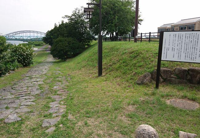 木曽川笠松渡船場跡 石畳