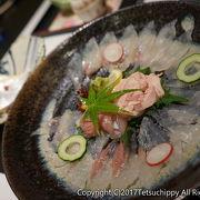 新鮮な海鮮を含んだ地元料理が味わえるお店