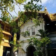 スリランカで一番素晴らしい寺院です。仏陀の息子を探そう。