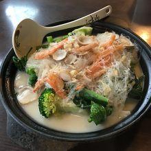 """""""野菜入り貝柱と魚ダシの煮込みスープ""""、絶品でした!"""