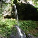 湯の沢銚子の滝
