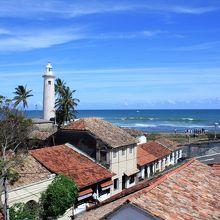 屋上席からはインド洋とゴール旧市街の眺めが。